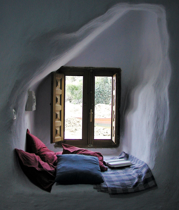 15 Reading Nooks Perfect For When You Need To Escape This