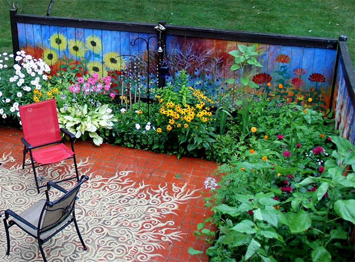 I Revived Our Old Garden Fence By Painting Vivid Flowers On It