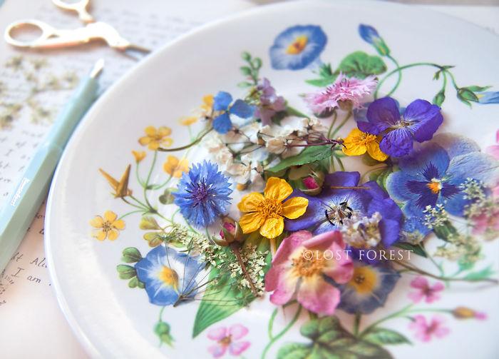 I Handpick Flowers From Irish Woodlands To Transform Them Into Beautiful Jewelry Pieces