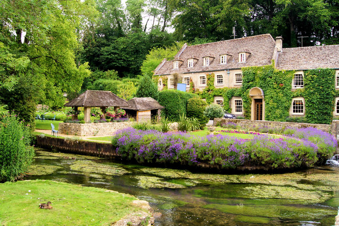 The Green & Pleasant Land – 10 Most Charming Small Towns In England