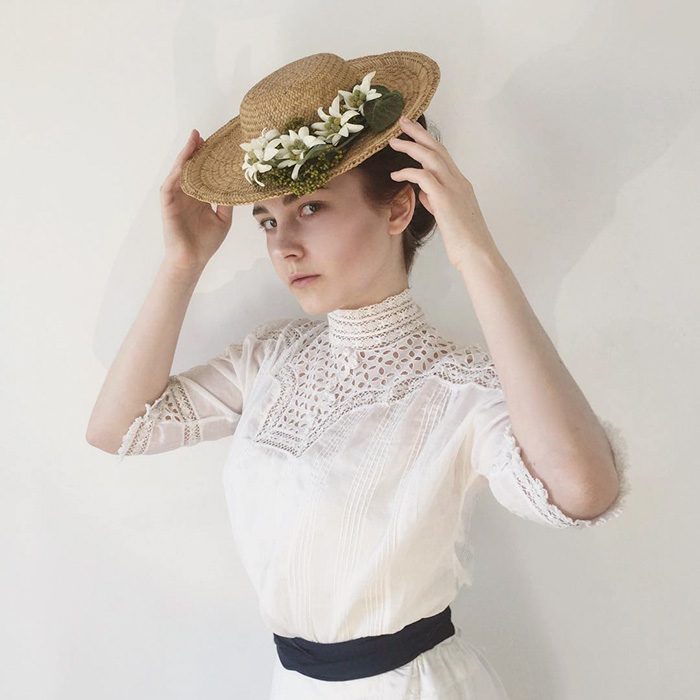 1900s Inspired Look
