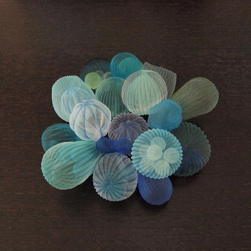 translucent-fabric-jewerly-japan-sculptures-mariko-kusumoto-15