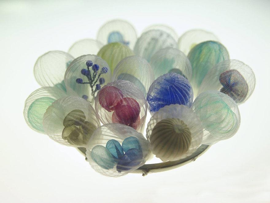 translucent-fabric-jewerly-japan-sculptures-mariko-kusumoto-17