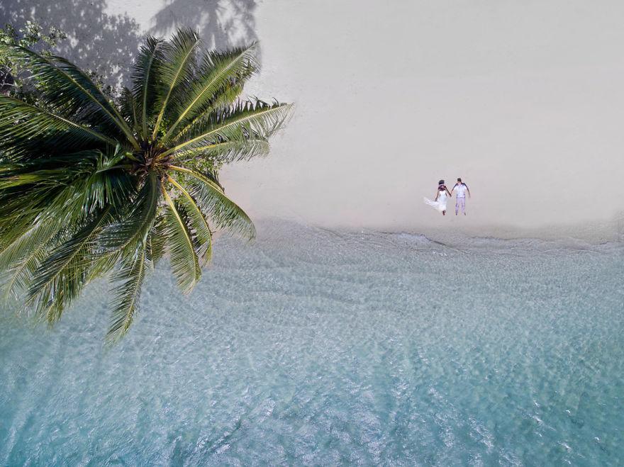 Świetne zdjęcia ślubne wykonane dronem