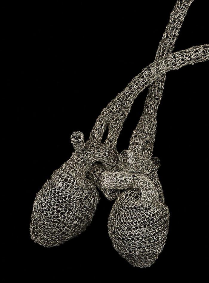 wire-crochet-heart-anne-mandro-9