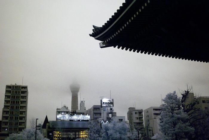 Tokyo Radiant – A Journey Through Tokyo In Infrared