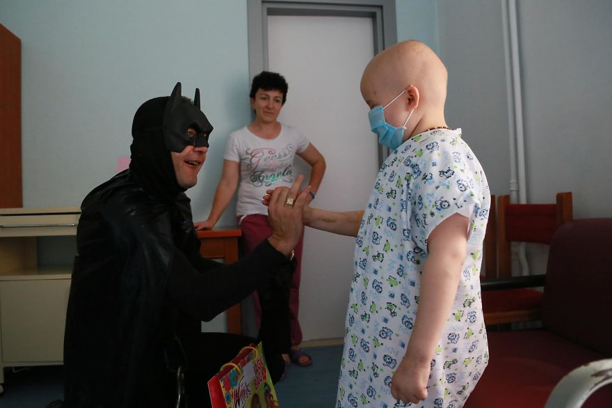 Albanian Police Surprises Hospitalized Children By Dressing As Superheroes