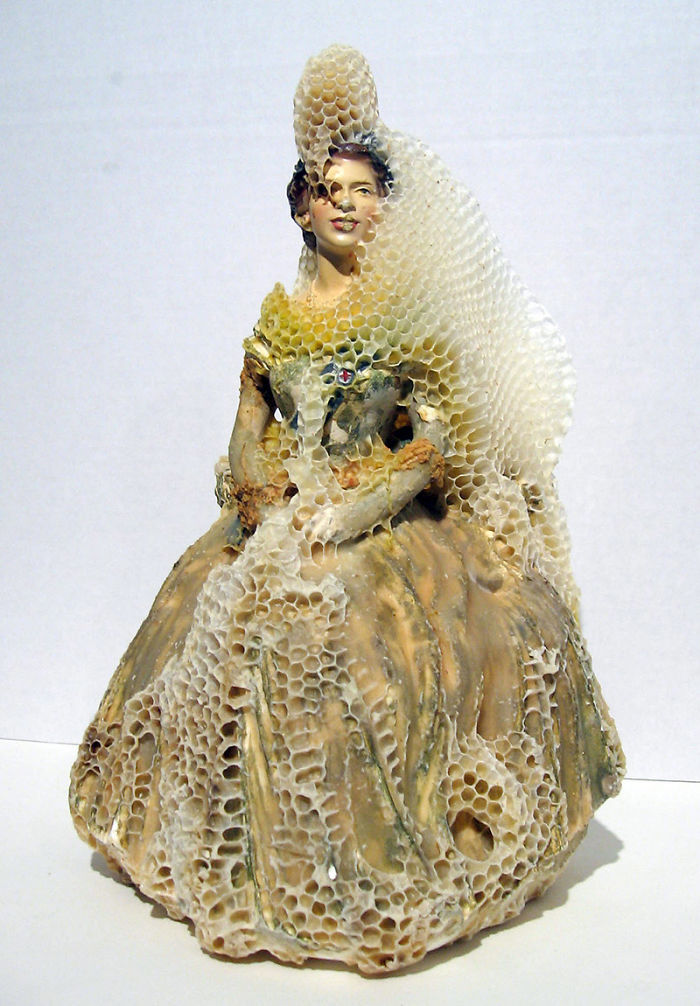 Artist Collaborates With Bees To Make Honeycomb-fused Sculptures