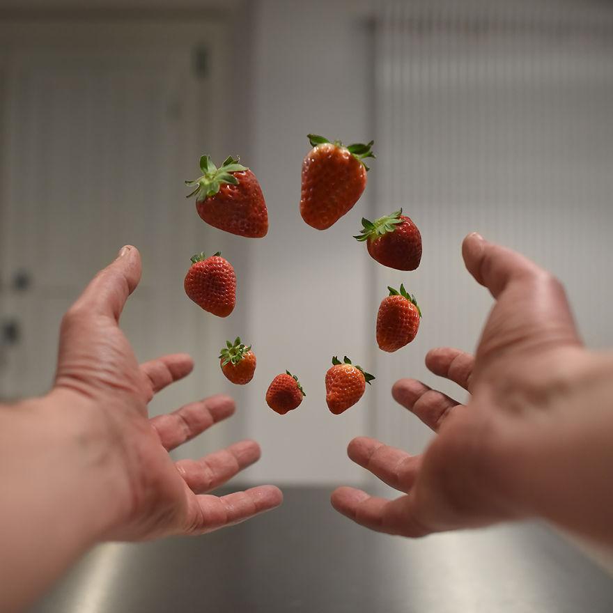 Strawberries Circle.