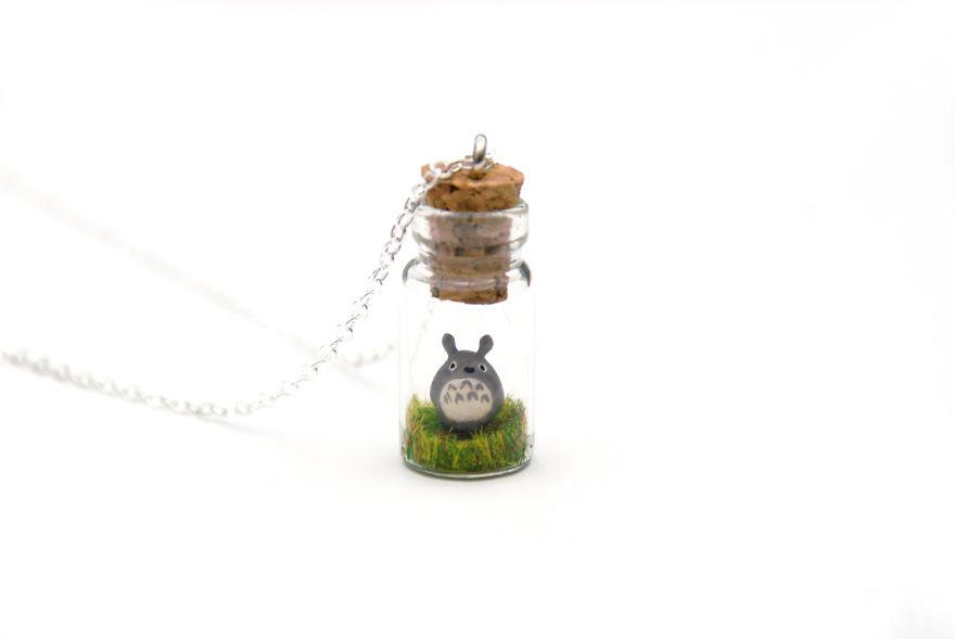 This Artist Creates Miniature Animals In Bottles