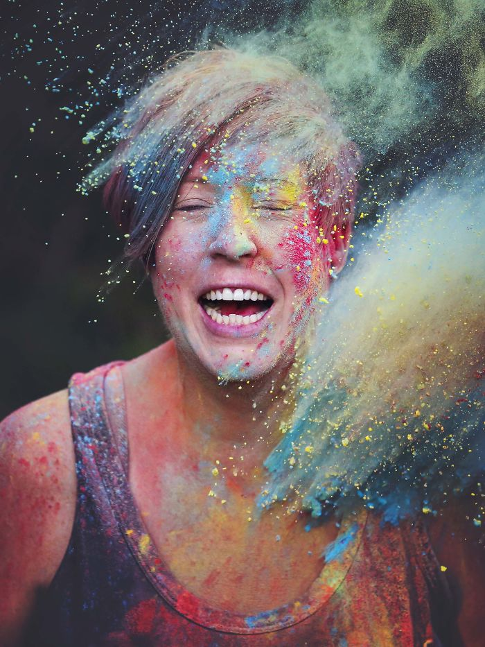 We Photographed Portraits While Playing With Colour Powder