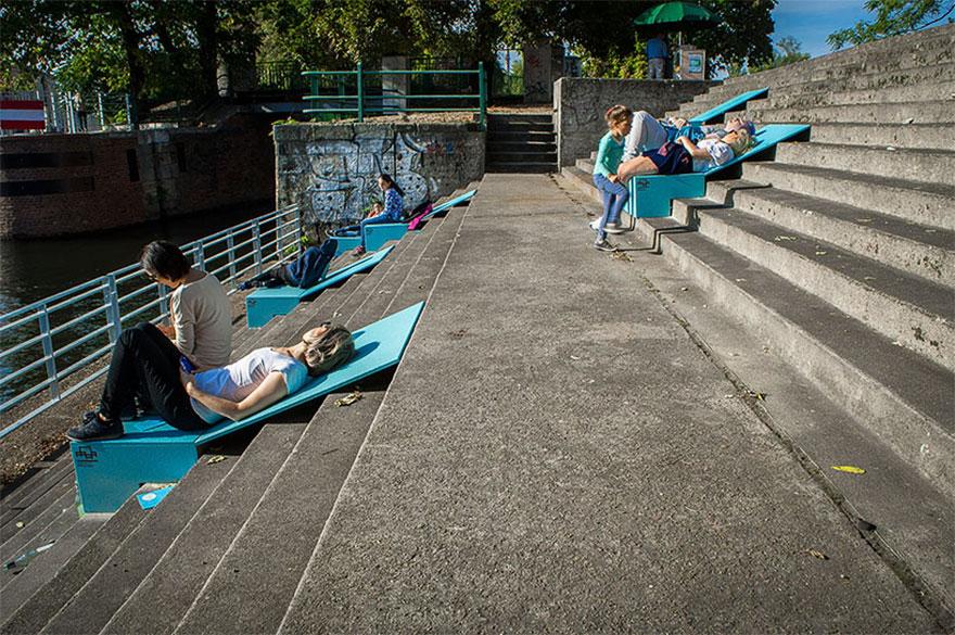 chairs-sunbeds-microinstallation-no-studio-poland-1