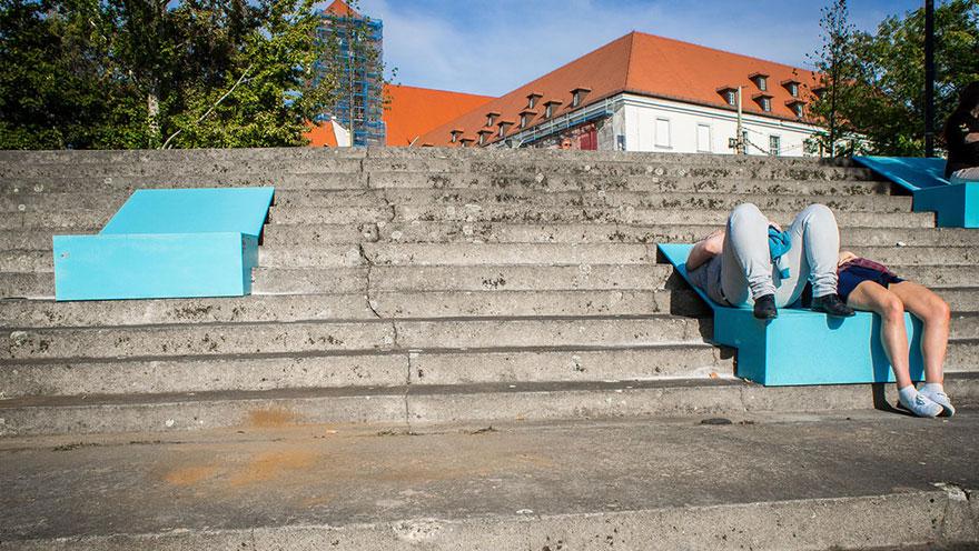chairs-sunbeds-microinstallation-no-studio-poland-3