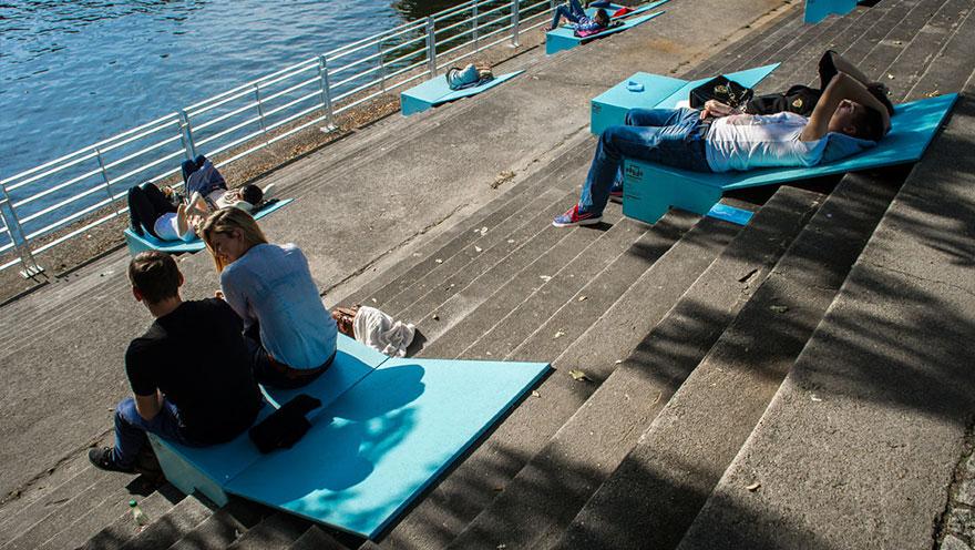 chairs-sunbeds-microinstallation-no-studio-poland-6