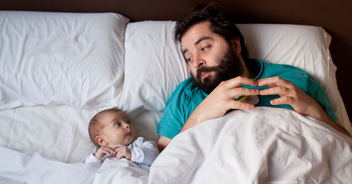 10+ Dads With Their Babies Showing That Fatherhood Brings Out The Best In Men