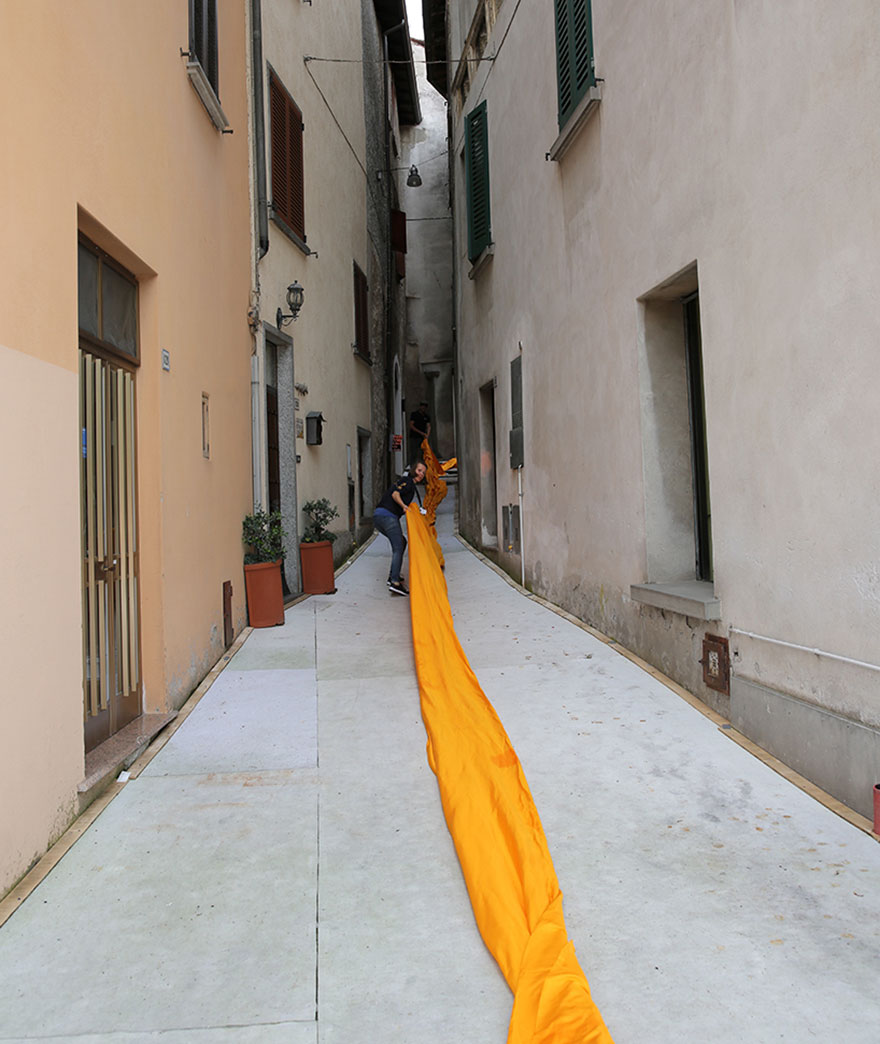 floating-piers-open-christo-jeanne-claude-italy-19