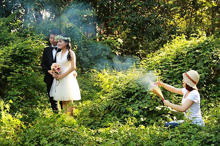 Funny Wedding Photographer
