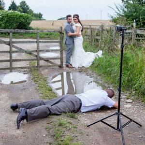 15+ Photos That Prove Wedding Photographers Are Crazy