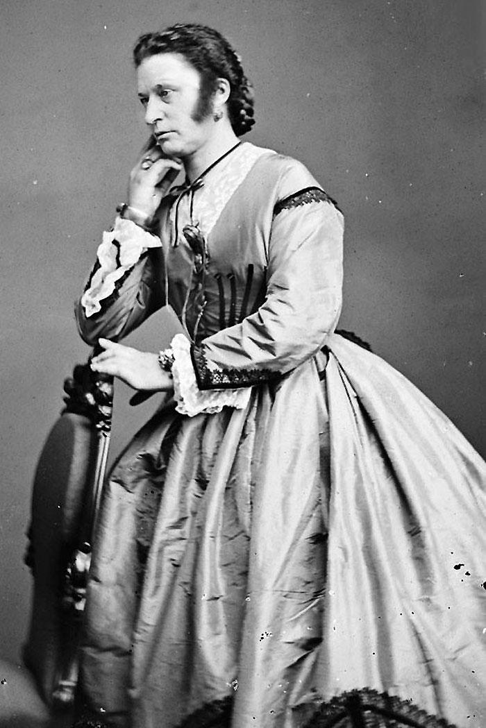 Men Dressed In Drag In The Victorian Era