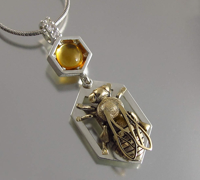 honeycomb-jewelry-bee-winged-lion-15