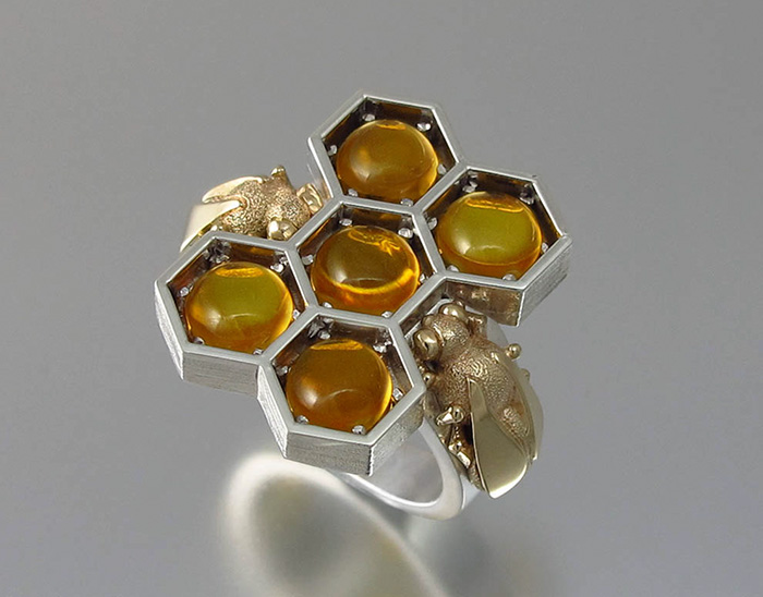honeycomb-jewelry-bee-winged-lion-21