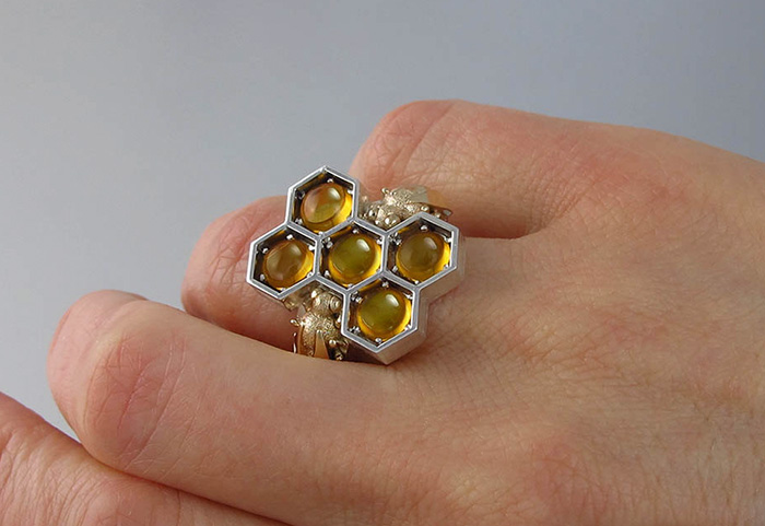 honeycomb-jewelry-bee-winged-lion-22