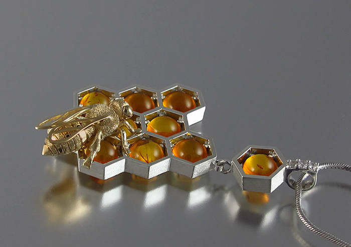 honeycomb-jewelry-bee-winged-lion-4