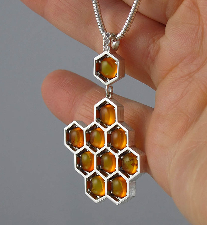 honeycomb-jewelry-bee-winged-lion-8