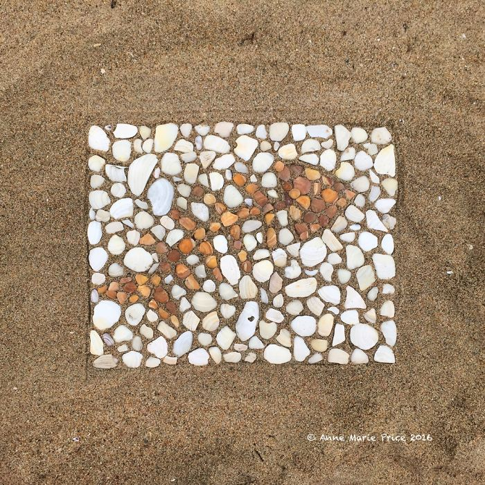 I Create Temporary Beach Mosaics From Things I Find There