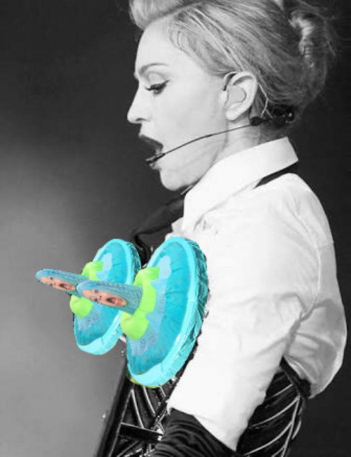 Madonna's Cone Bra ????????