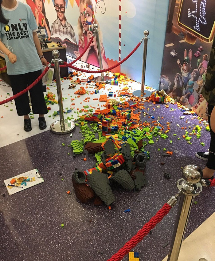 kid-destroys-lego-sculpture-zootopia-zhao-9