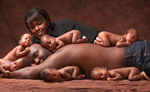 McGhee Sextuplets Recreate Viral Photo 6 Years Later