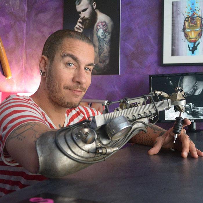 prosthetic-arm-tattoo-artist-jc-sheitan-tenet-jl-gonzal-1