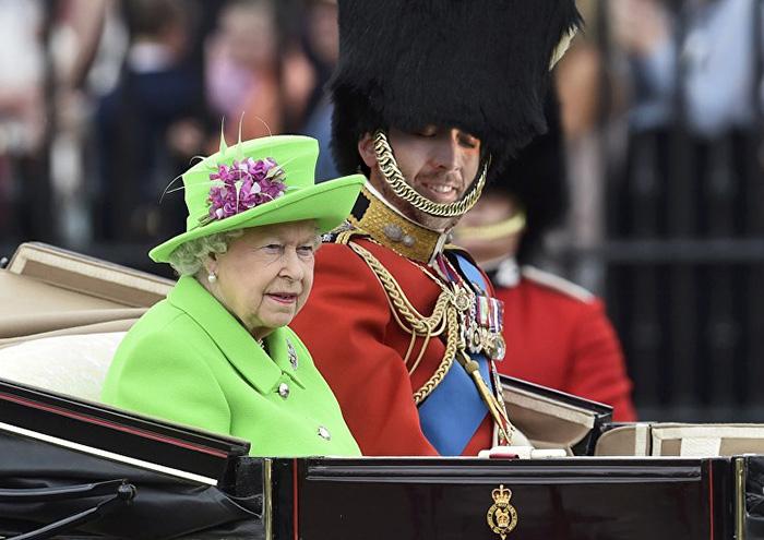 Nico & The Queen