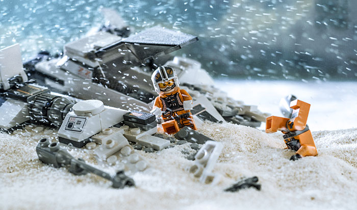 I Recreate Star Wars Scenes With Legos