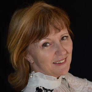 Lucia Hewitt