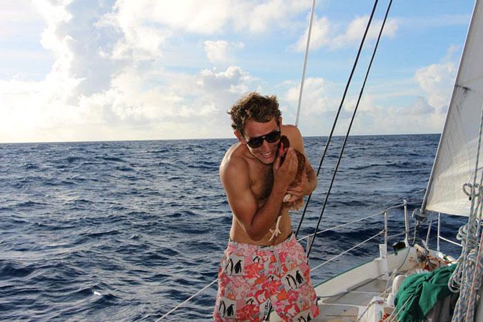 sailing-chicken-guy-monique-guirec-soudeel-26