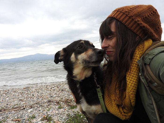 stray-dog-transform-stone-mange-petra-greece-9