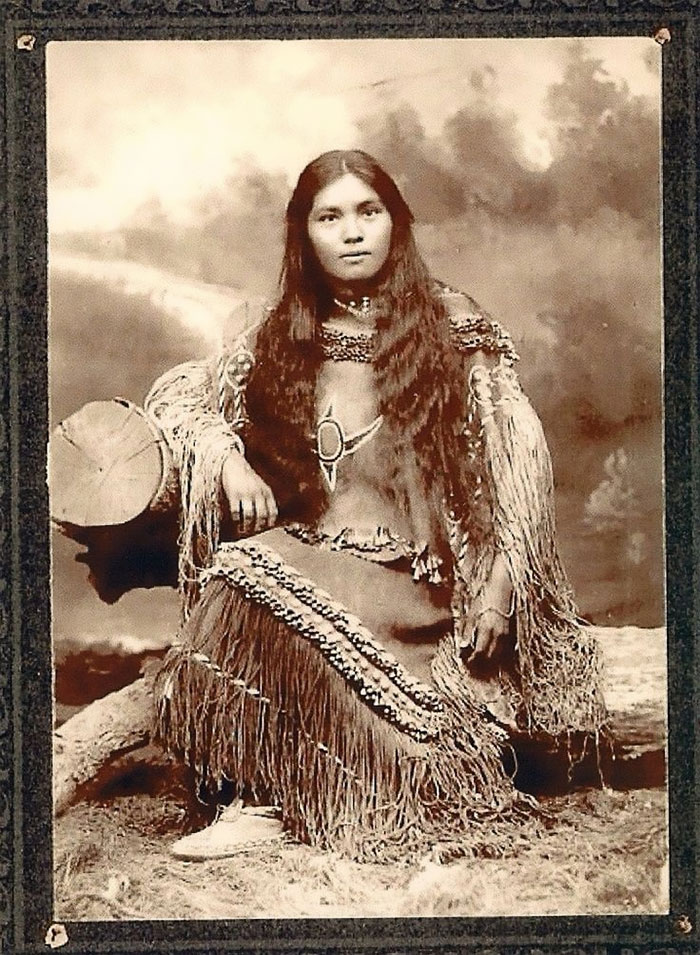 1800s1900s portraits of native american teen girls show