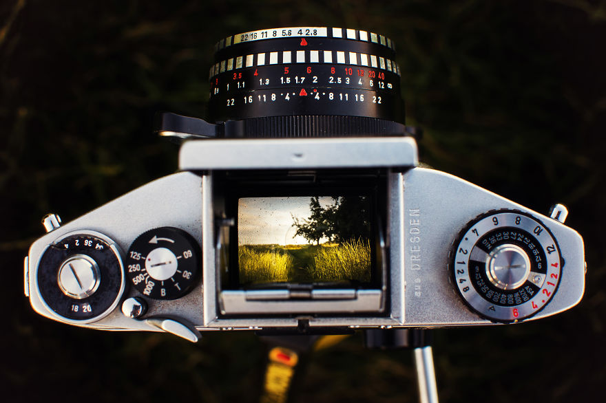 how to take pictures with analog camera
