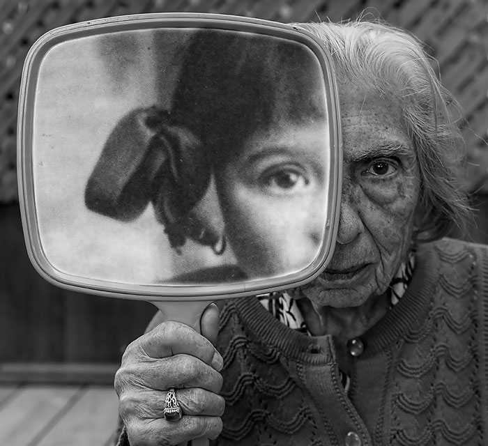 91-year-old-mother-playful-photography-elderly-women-strange-ones-tony-luciani-11