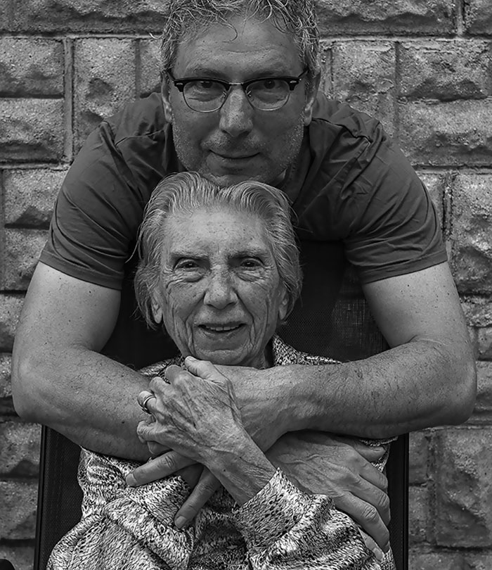 91-year-old-mother-playful-photography-elderly-women-strange-ones-tony-luciani-2