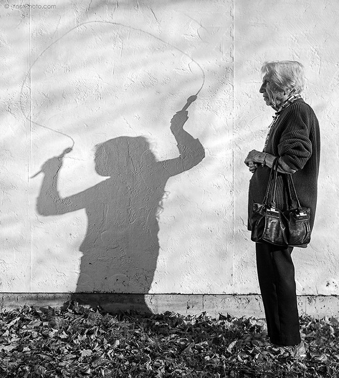 91-year-old-mother-playful-photography-elderly-women-strange-ones-tony-luciani-4