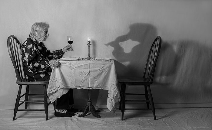 91-year-old-mother-playful-photography-elderly-women-strange-ones-tony-luciani-8