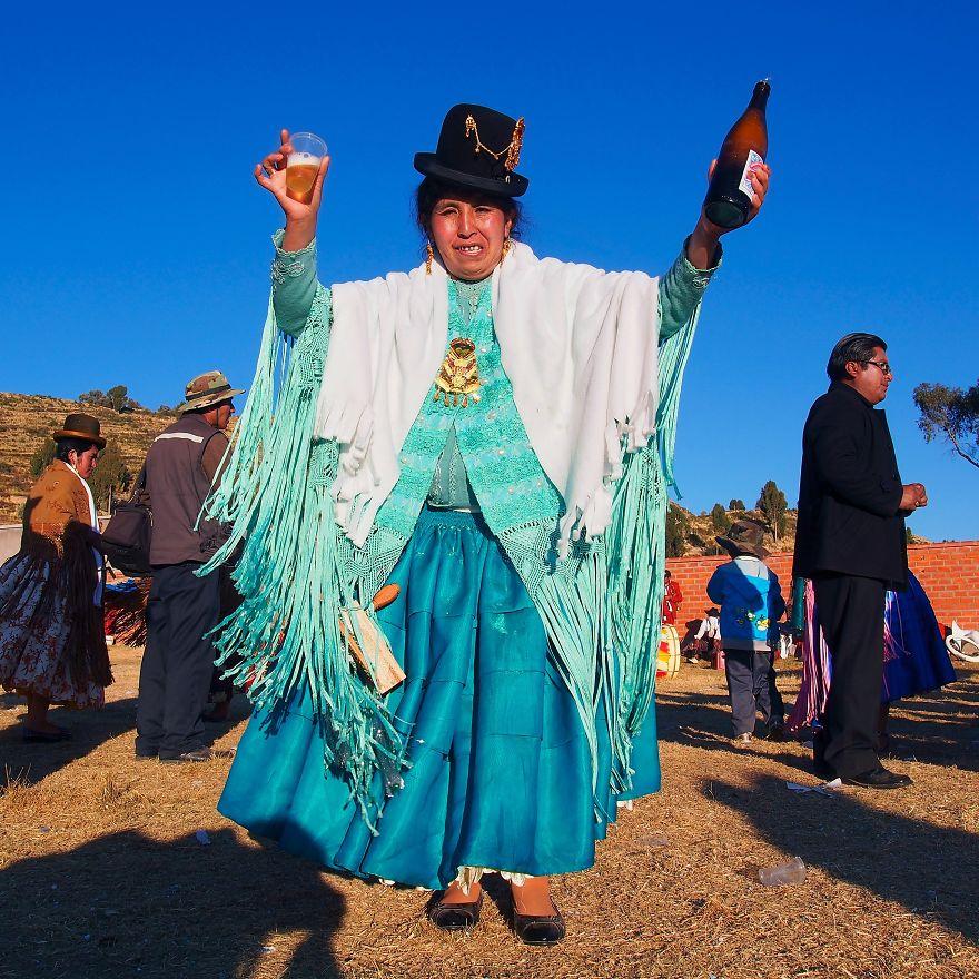 Martha, 'Cholita'. Yampupata, Bolivia