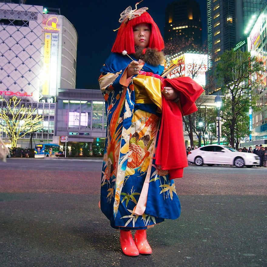 Ayakamay, Artist Performing 'Mimikaki'. Tokyo, Japan
