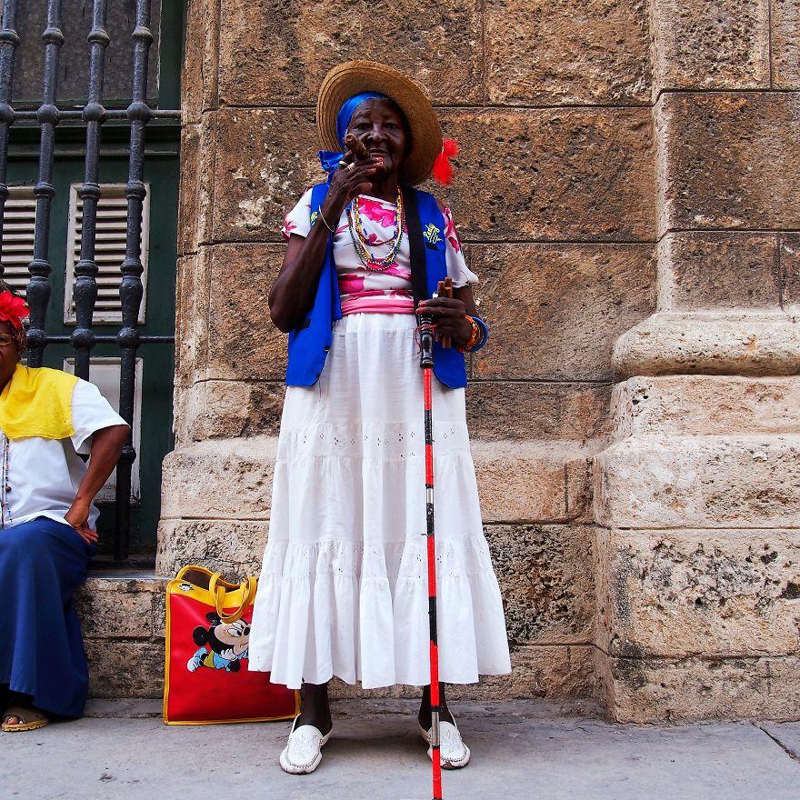 Gloria, 'Professional Cigar Smoker'. La Habana, Cuba