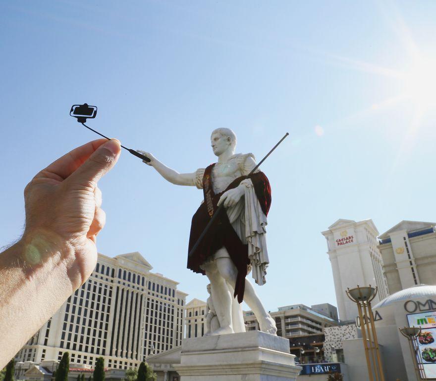 Caesar Taking A Selfie, Caesar's Palace
