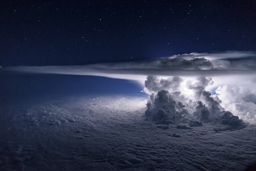Pilot Flies Above The Thunderstorm To Get A Perfect Shot Of It At 37,000 Feet