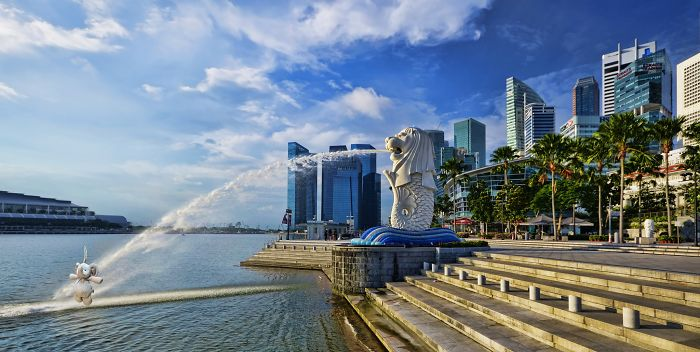 Chilling Out With Singapore Merlion.